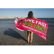 Live fast dive young Towel